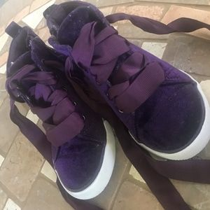 Cat and Jack girls sneakers size 8
